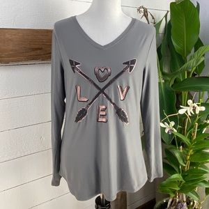 "No Boundaries Graphic Tee ""Love""PreLoved"